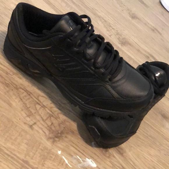 0ec171832e FILA work shoes